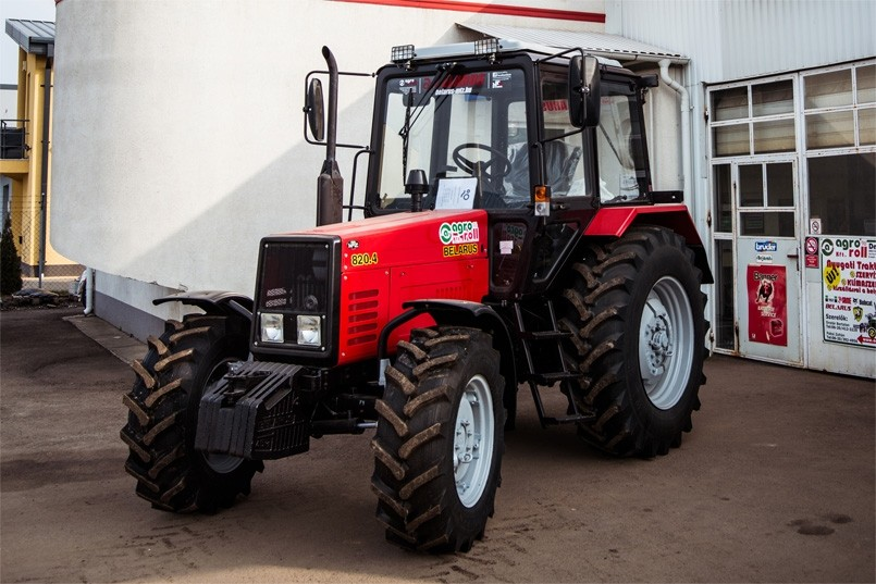 MTZ-820.4 Traktor  (80 LE, mechanikus váltó, egyenes első híd ) BELARUS